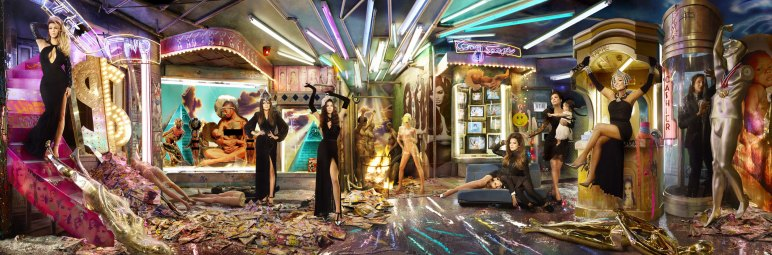 Kardashians-Christmas-Card-David-LaChapelle-05A